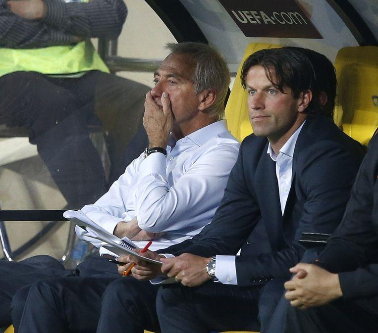 Ernest Faber (rechts) naast de opgestapte bondscoach Bert van Marwijk. Beeld anp