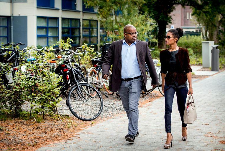 Met Ian van der Kooye, medeoprichter van Bij1, bij de Amsterdamse rechtbank die de bedreigingszaak behandelt (2017). Beeld Koen van Weel/ANP