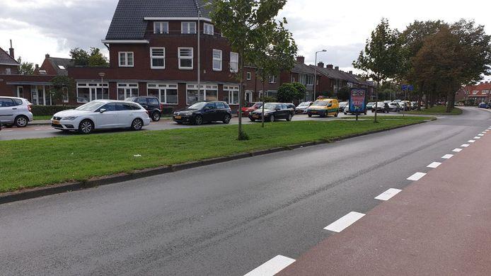 De plek van het ongeluk op de singel in Enschede.
