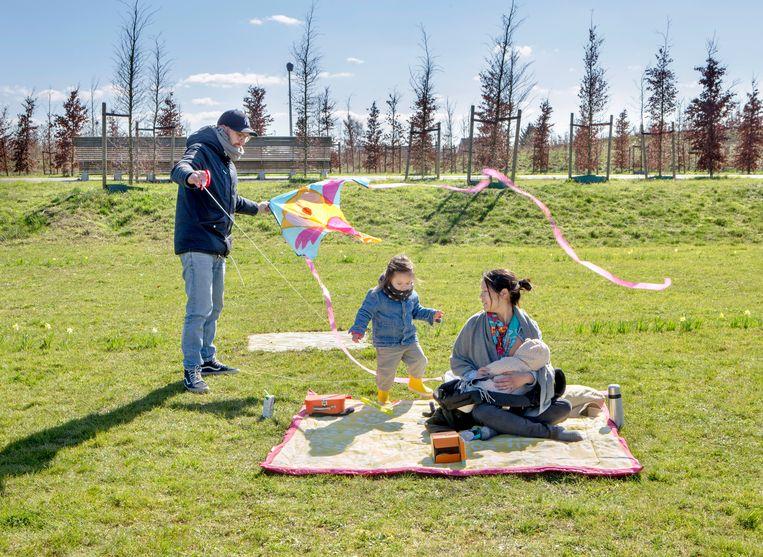 Bart, Rosa (met gele laarsjes), An en Jesse (baby) de Graaf Beeld Jorgen Caris