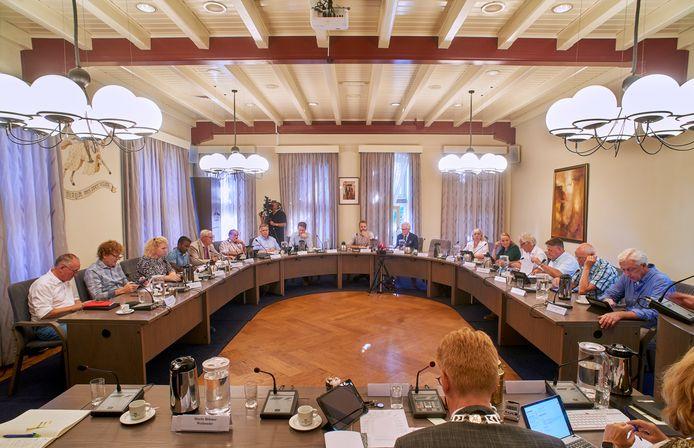 De Landerdse gemeenteraad buigt zich over allerlei gemeenschappelijke regelingen.