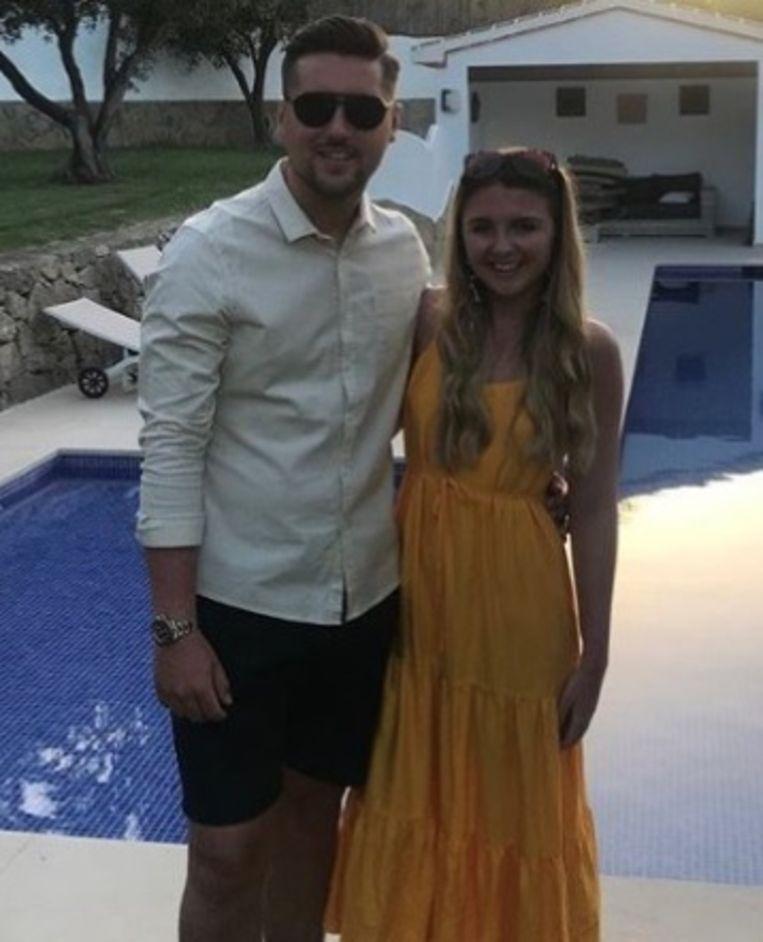 David Briffaut (23) en zijn vriendin.