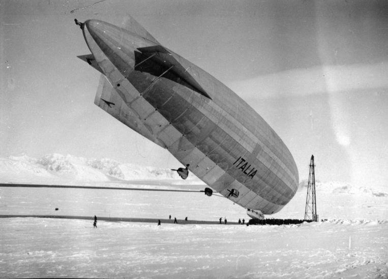 Het luchtschip Italia van Umberto Nobile. Beeld Øberg, Aasmund/Svalbard Museum