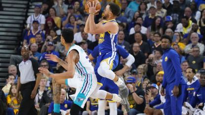 VIDEO. Golden State vernedert Charlotte in NBA - Atlanta klopt leider met buzzer beater