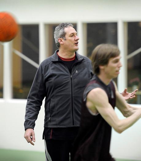 Basketbal: Verliezend Wyba zwaait coach Klomp na acht jaar uit