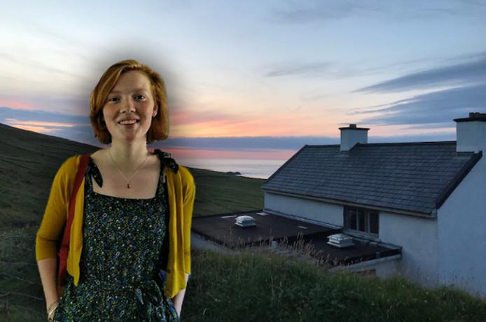 Sophie (18) werkte als vrijwilliger op het populaire privé-eiland Great Blasket (fotobewerking de Stentor)