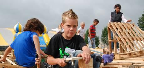Huttenbouwkinderen Bodegraafse Vakantiespelen slapen niet in hut