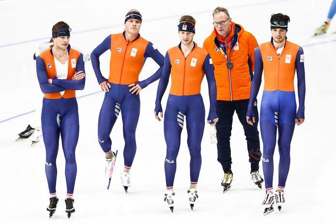 Geert Kuiper (tweede van rechts) gaat aan de slag als programma manager.