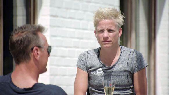 Marieke Vervoort met Tom Waes in 'Het huis'.