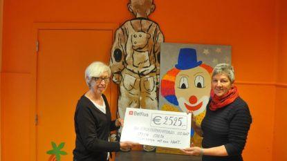 Greta Steen schenkt Kinderkankerfonds 2.525 euro