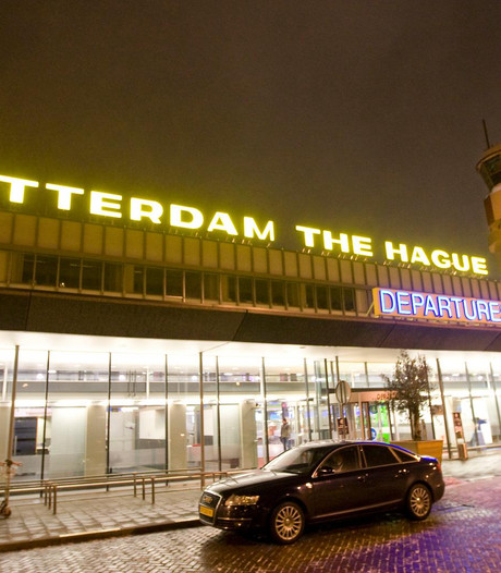 Vliegtuigje maakt noodlanding op Rotterdam Airport