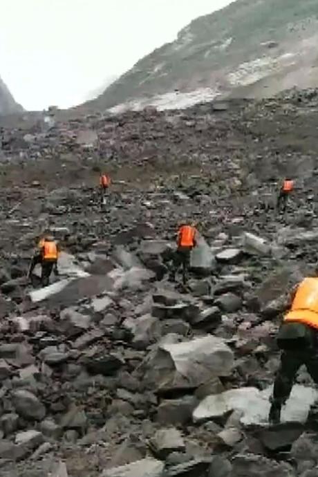 Ruim honderd mensen bedolven onder puin in China