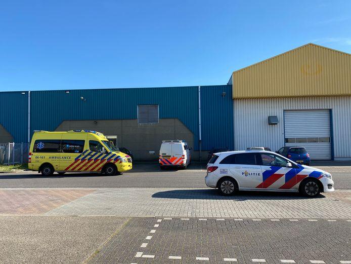 Bij een bedrijfsongeval in Zutphen is woensdagmiddag iemand gewond geraakt.