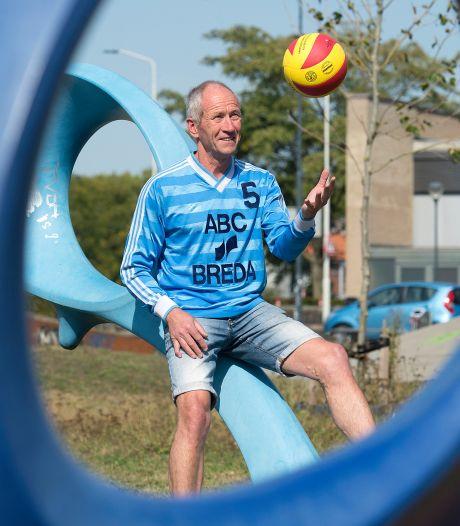 Willy Gommeren (1949-2020) stond bekend als de  'man met de hamer' in volleybalwereld