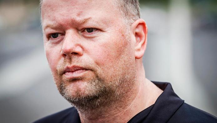 Darter Raymond van Barneveld was tijdens de inbraak niet thuis. Zijn vrouw wel.