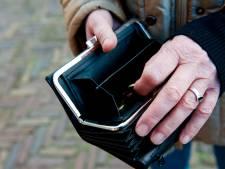 Arme Utrechters nemen 'blijf thuis' heel letterlijk: veel minder mensen melden zich voor hulp bij schulden