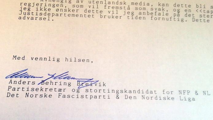 De handtekening van Breivik onder zijn brief aan een Franse journalist.