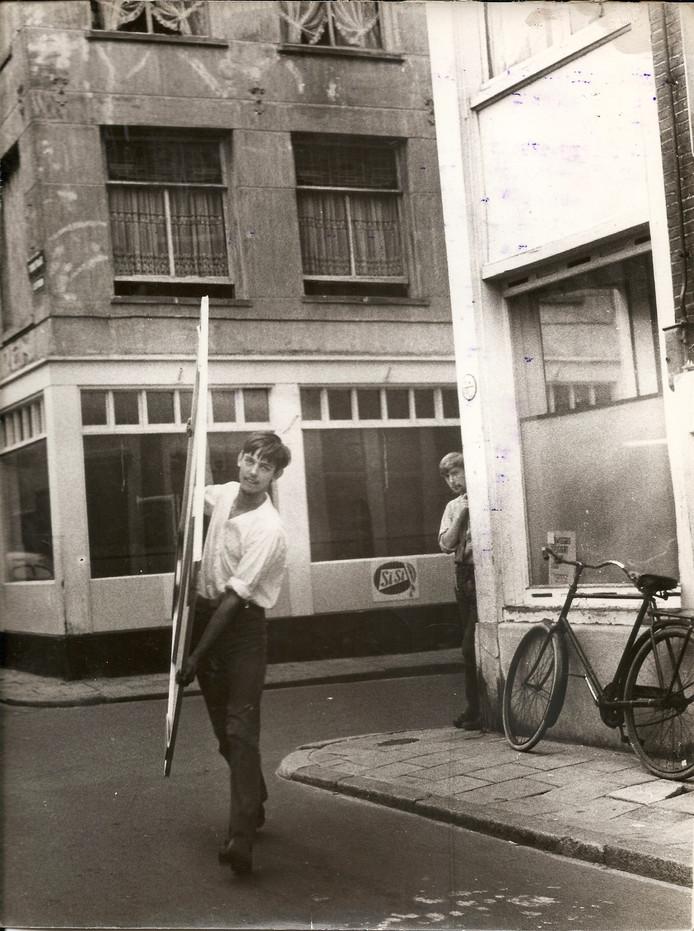 Mark Wessels in Amsterdam, waar hij naam maakte als kunstenaar en voorloper van de Provo-beweging.