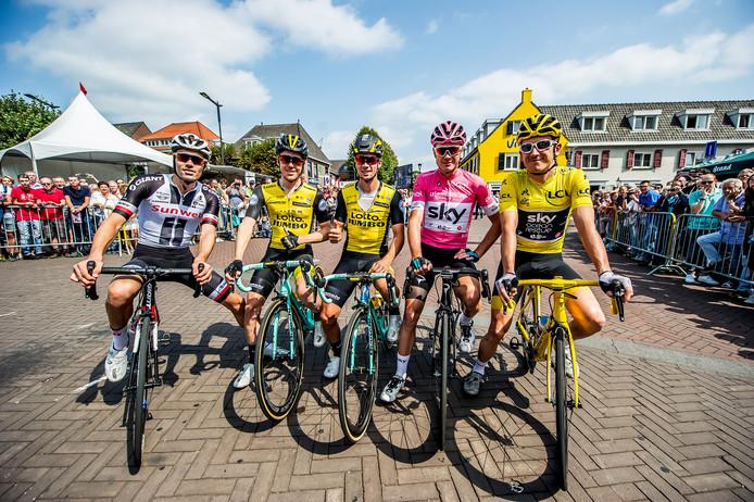De eerste vijf van de Tour 2018 reden vorig jaar in Etten-Leur. V.l.n.r. Tom Dumoulin, Steven Kruijswijk, Primoz Roglic, Christopher Froome en Geraint Thomas.