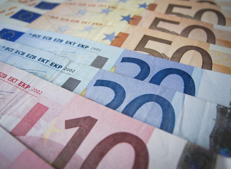 De euro komt in politiek woelige wateren. Beeld null