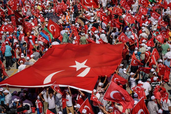 Demonstraties in Turkije na de mislukte staatsgreep, vorig jaar juli.