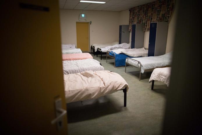 Een slaapzaal voor daklozen.