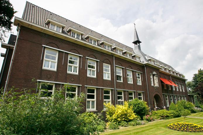 Het klooster aan de Wilhelminalaan in Asten