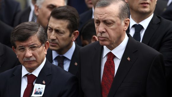 De Turkse president Recep Tayyip Erdogan en zijn premier, Ahmet Davutoglu.