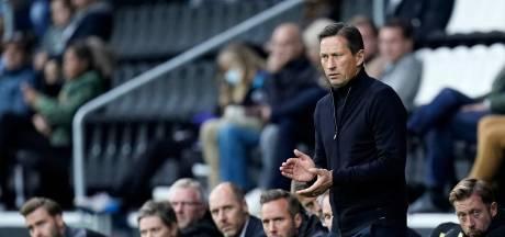 PSV-trainer Schmidt kritisch: 'We verloren veel duels'