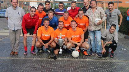 De Knokkers wint Bassie's penaltycup