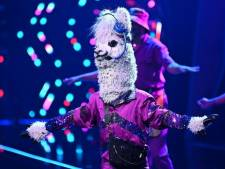 Grote Nederlandse ster blijkt mysterieuze alpaca in Duitse versie The Masked Singer