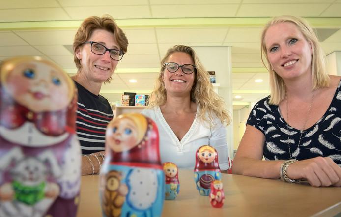 Jantine van Heusden, Hanneke van en Linda Santhuizen (vlnr) willen kinderen bij Op Koers een nieuwe kans geven.