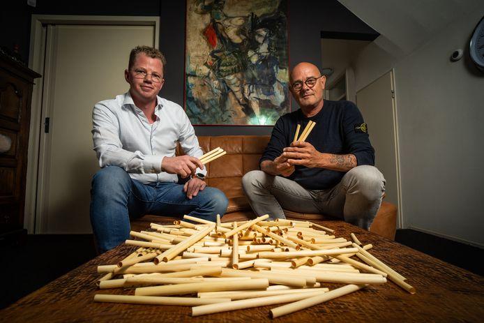 'Er is op aarde weinig zo ontroerend als de foto naast het artikel. Twee ondernemers die een vogelnestje van tarwerietjes voor zich zien.'