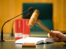 Ex-hulpverlener Hoenderloo Groep vrijgesproken van mensenhandel, wel cel voor fraude