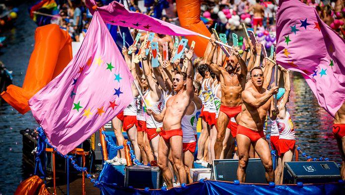 Botenparade tijdens Gay Pride 2016.