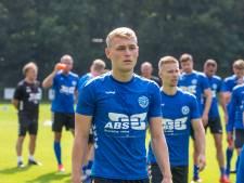 De Graafschap-talent Van Nispen gaat lopend naar huis na 'debuut in de achtertuin'
