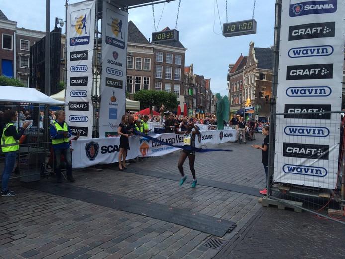 Beeld van de Halve Marathon van Zwolle. Foto: Bert-Jan Lukje