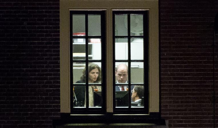 Minister Edith Schippers (links), PvdA-leider Diederik Samsom en premier Mark Rutte tijdens overleg over de crisis die is ontstaan na de gesneuvelde zorgwet. Beeld anp