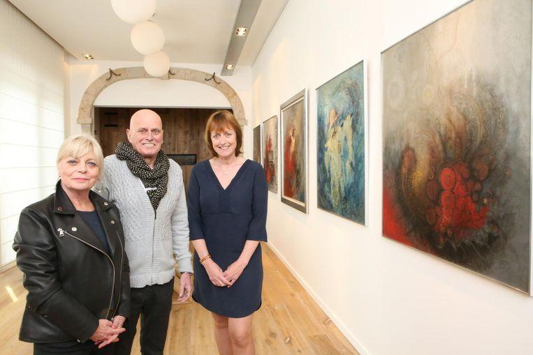 Lieve Vandormael, Raymond Crabbé en Anita Buvens in de galerij ter ere van kunstschilder Mil.