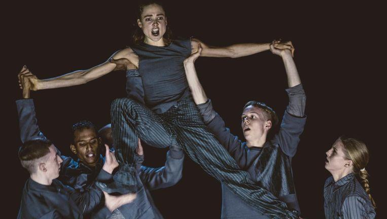 Zeven dansers in The Grey Beeld Rahi Rezvani