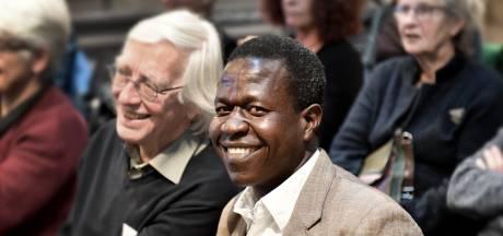 Een dag uit het leven van William uit Oeganda: opstaan, boom planten en dan het bos redden