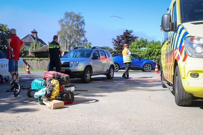 Ongeluk in Harskamp. De fiets ligt op straat.