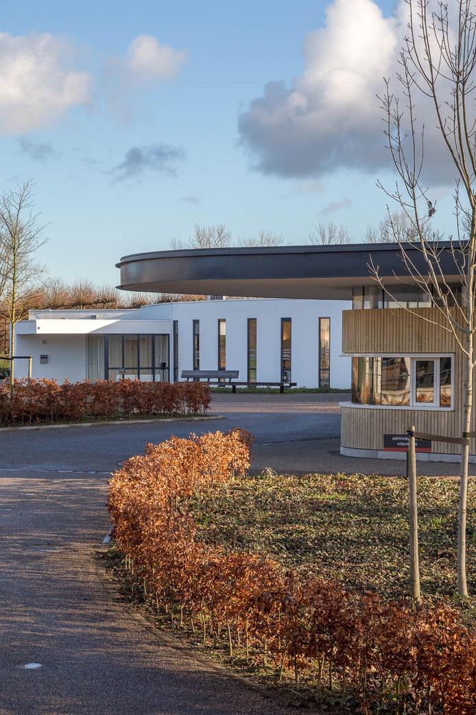 Crematorium en aula de Biesbosch op begraafplaats De Essenhof