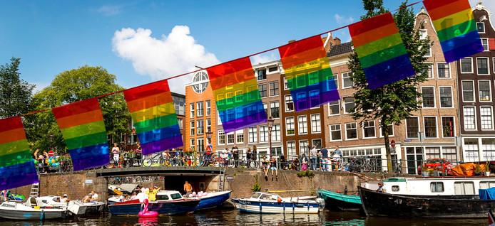 Pride Amsterdam staat niet bekend als kwalitatief hoogstaand evenement.