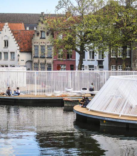 """Krijgen we vaste pontons langs de Langerei? """"Triënnale heeft ons geleerd dat het gezellig is en buurtbewoners vinden het leuk"""""""