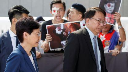 """Regeringsleider Hongkong in tranen: """"Geweld duwt stad richting 'pad zonder terugkeer'"""""""