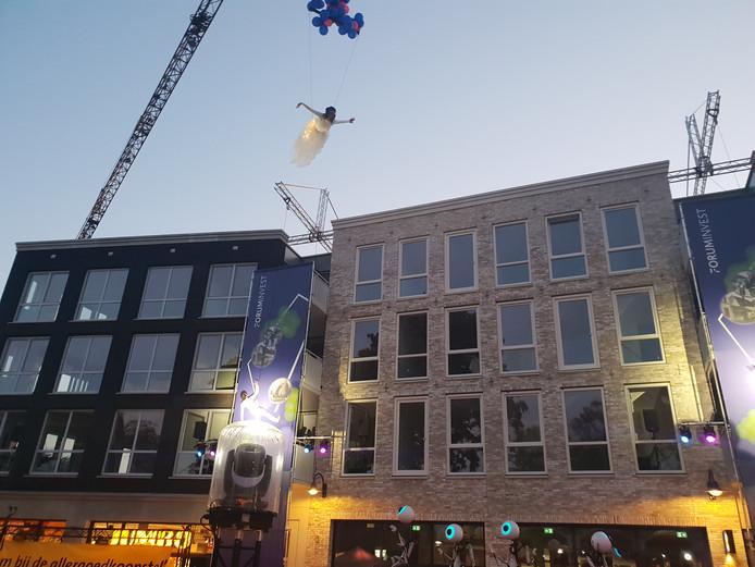 Het nsieuwe centrum in Rosmalen is klaar, nu de verkeersproblemen nog oplossen.