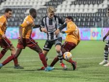Hoe kan het, met 20-0 verliezen van Jong Heracles Almelo? 'Autopech, jonkies en geen warming-up'