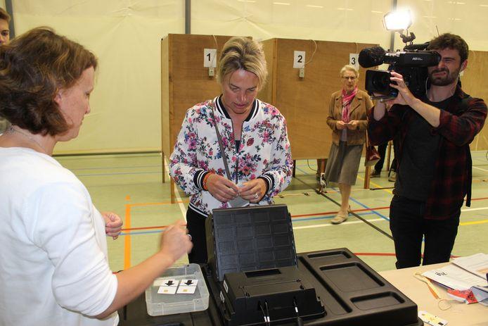 Joke Schauvliege is stemmenkampioen in Kaprijke.
