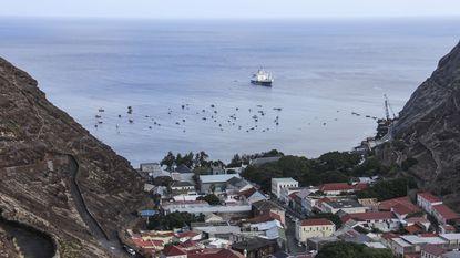Lijnvliegtuig landt vandaag voor het eerst op afgelegen eiland Sint-Helena